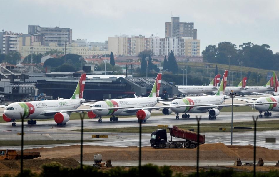 Reino Unido e Angola suspendem voos para Portugal devido às estirpe brasileira da covid-19