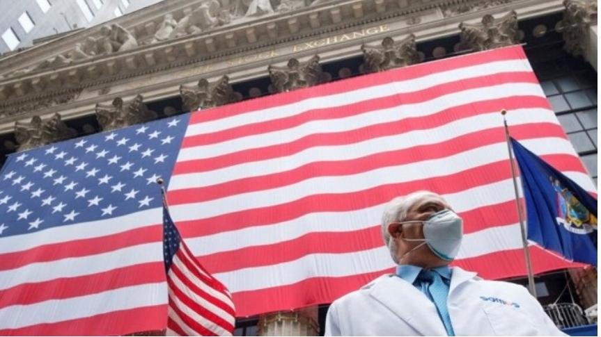 EUA contabilizaram 3465 mortes e 221.258 casos da covid-19 no último dia