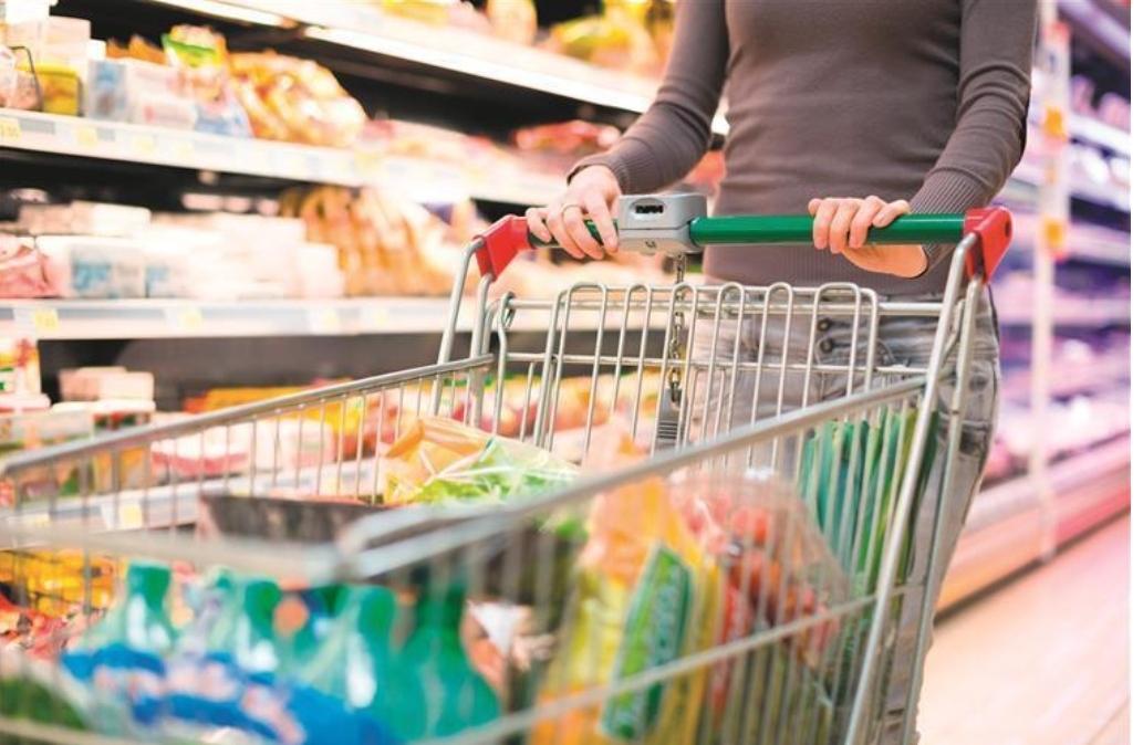 No fim-de-semana mercearias e supermercados encerrados às 17h
