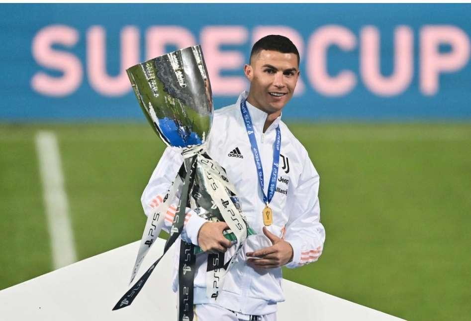 Ronaldo marcou o 760º golo da carreira. Começou a guerra pelo título de melhor marcador da história