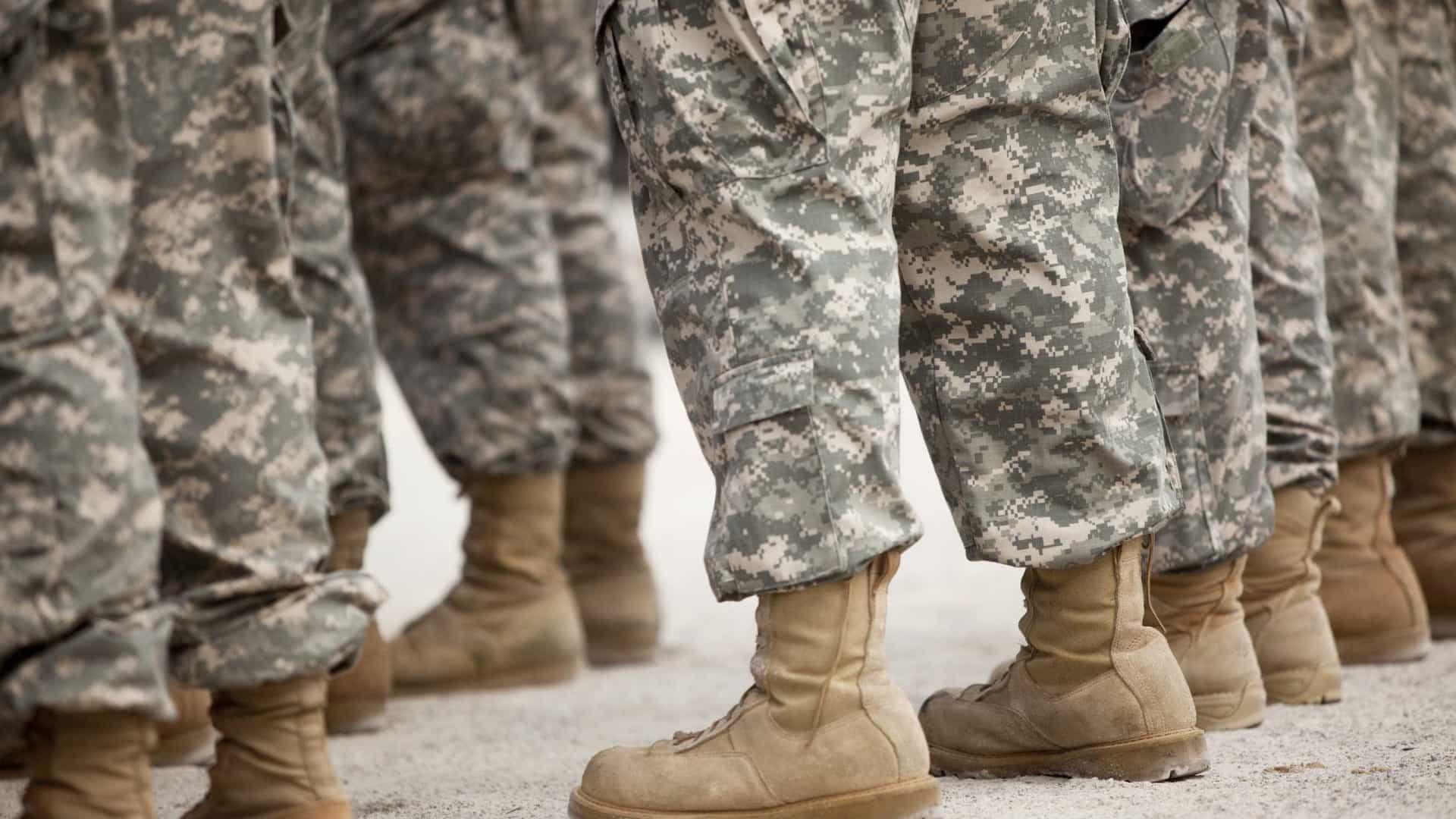 Militares partem para o Afeganistão